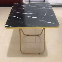 طاولة مربعة سهلة الطوي بنقشة الماربل حجم كبير