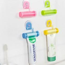 قطعة بلاستيكية لتفريغ معجون الأسنان