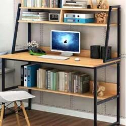 مكتب دراسي خشبي بهيكل معدني و طبقة سفلية و طبقتين بالاعلى لتظيم أغراض الدراسة